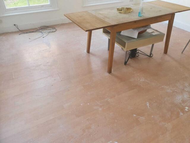 preparing old floor for laying laminate flooring