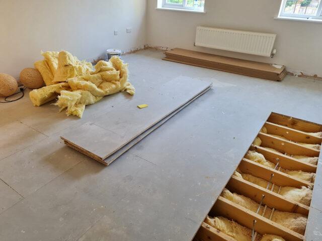 Engineered pre finished Oak floating wood floor